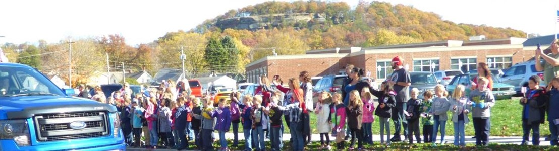Mt. Pleasant Elementary - Veteran's Day Parade 2016