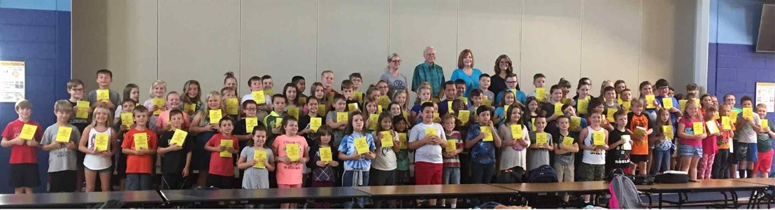 Mt. Pleasant - 3rd Grade Students received dictionaries from the Lancaster Rotary Club